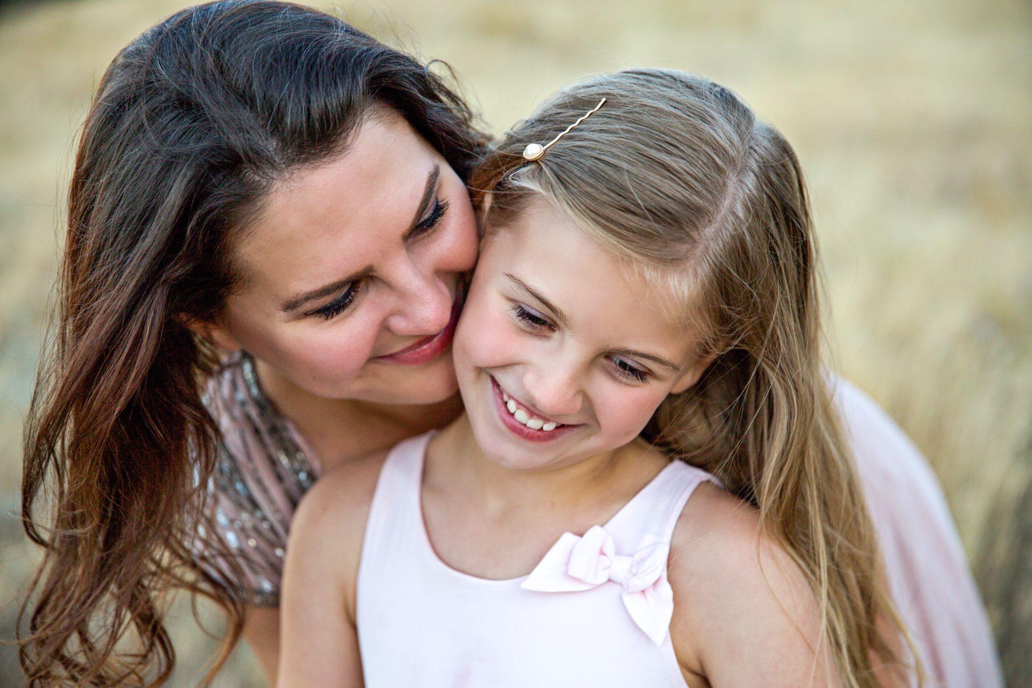 Análisis capilar - foto de madre e hija - Farmacia Ciudad Alta