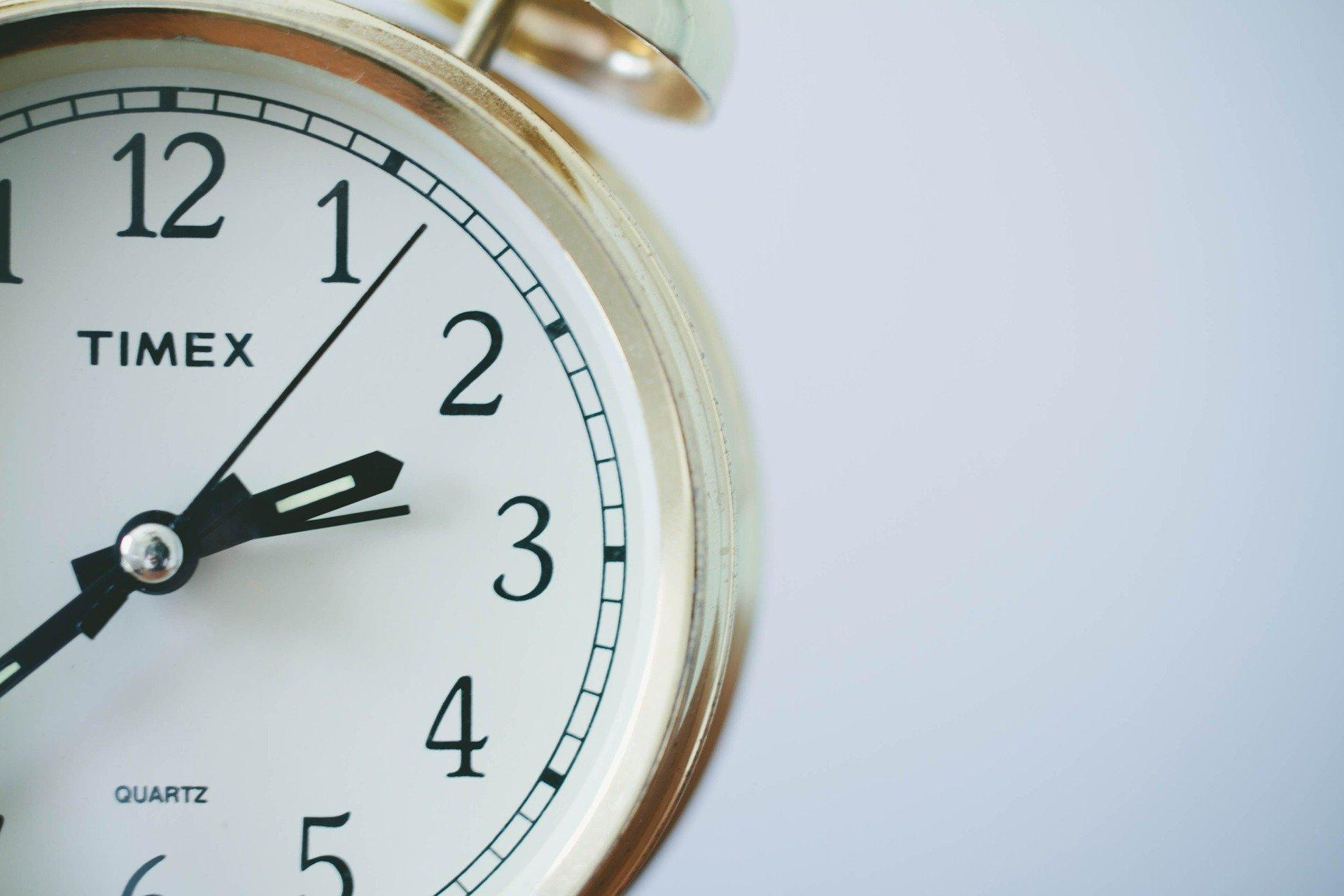 Análisis capilar - reloj - Farmacia Ciudad Alta